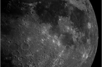 Luna alta risdoluzione